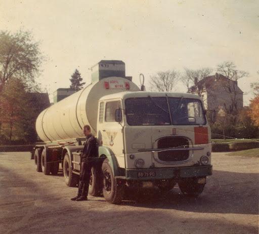 John-zijn-eerste-wagen-bij-het-bedrijf