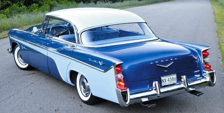 DeSoto-Firedome-SeVille-let-op-de-lampjes-in-de-bumperrozetten-1956--(2)