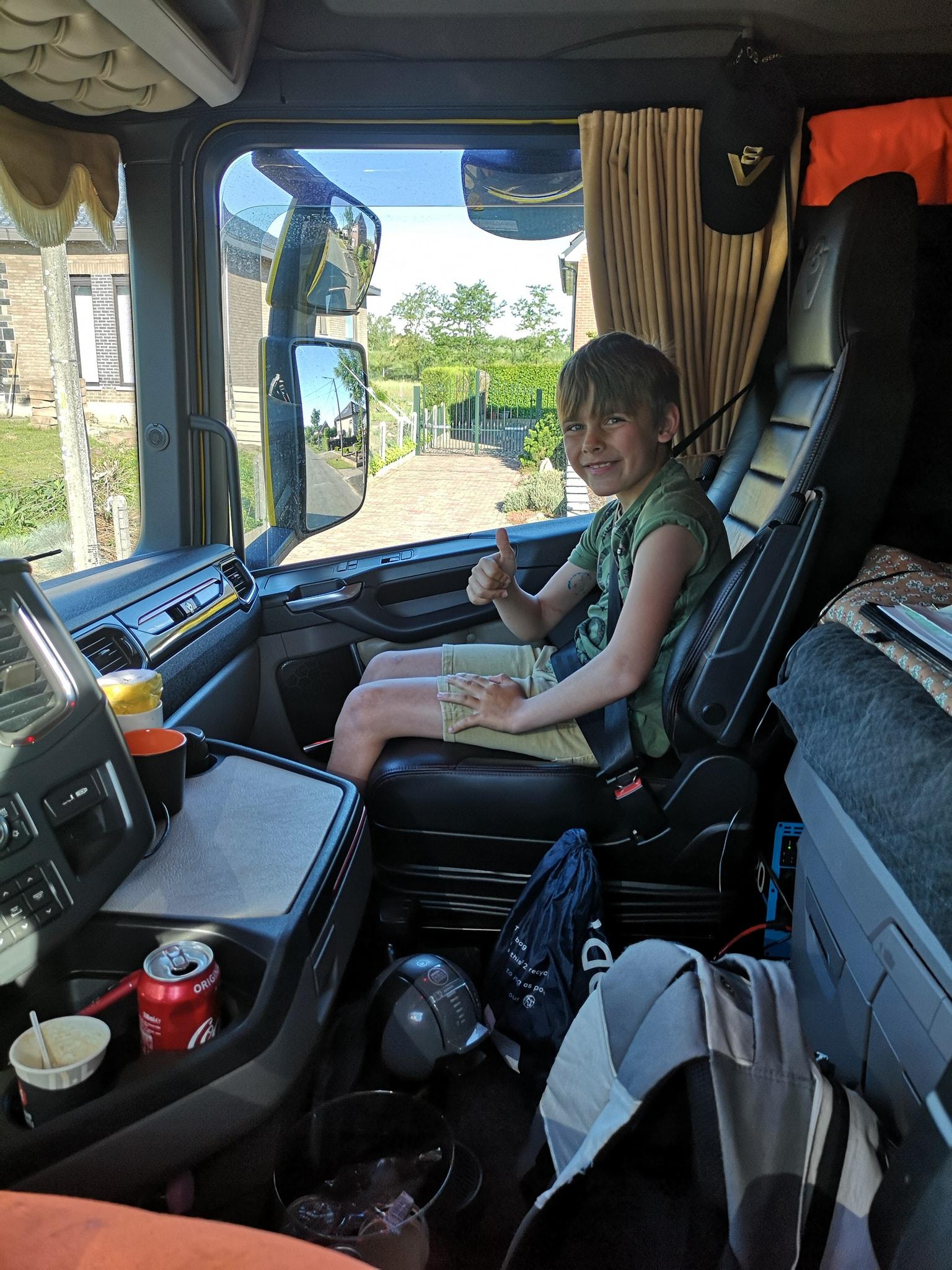 Prive--taxi-naar-school--1-6-2021