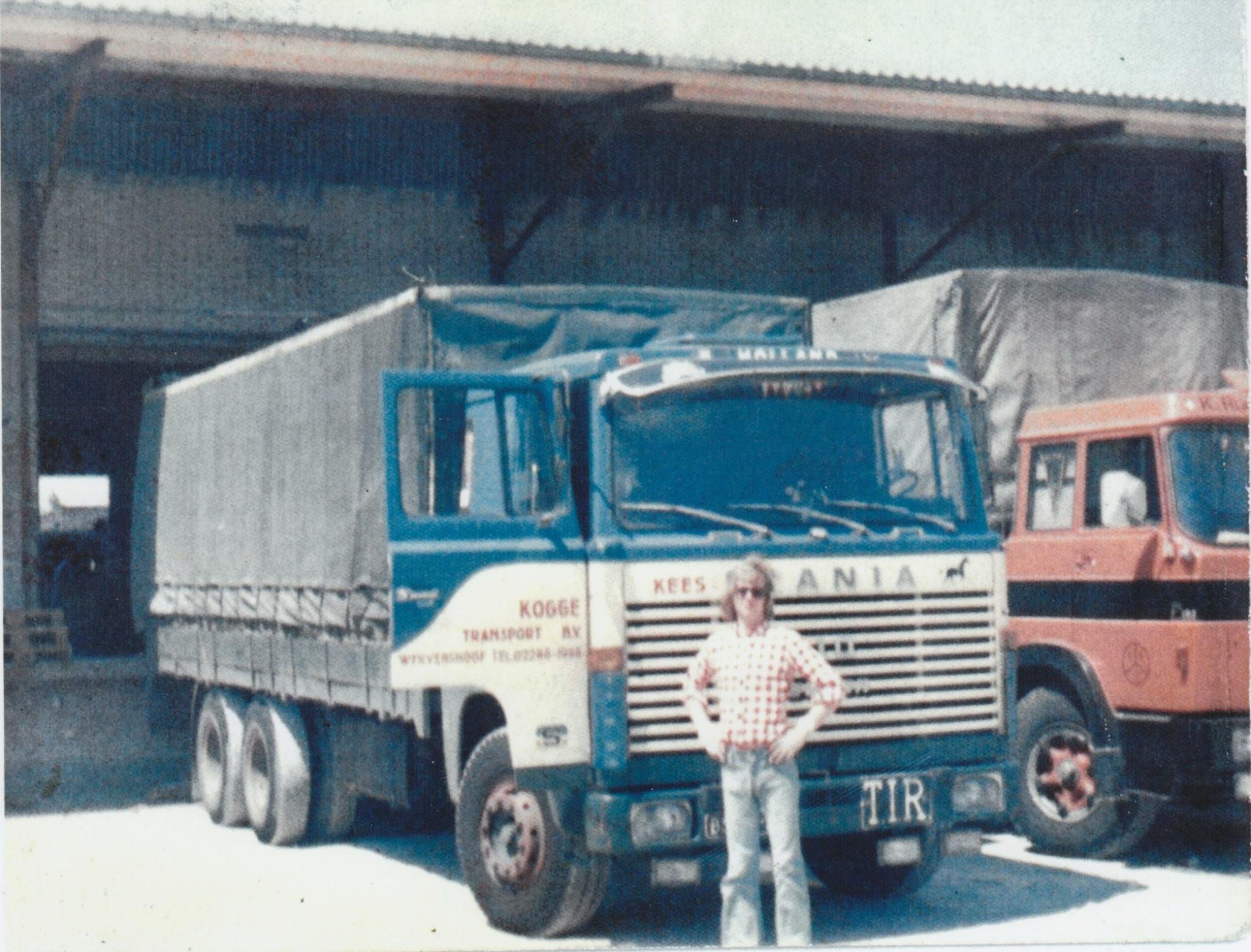Scania-LBS-110-super-,-kenteken-BS-98-38---1-van-de-eerste-Kogge-vrachtauto-s-chauffeur-Peter-Mes---locatie-Spedag-in-Zwitserland