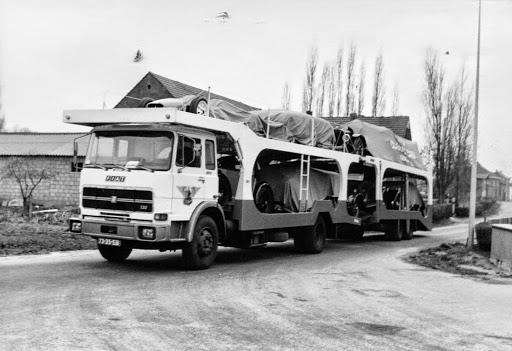 Fiat-Ger-Beynsberger-Cartransport-met-oldtimmers