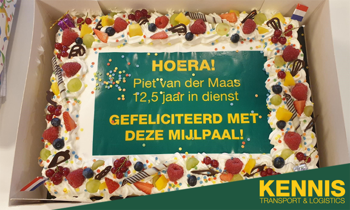 1-juni-hadden-wij-iets-te-vieren--Piet-van-der-Maas-was-12-5-jaar-in-dienst-(1)