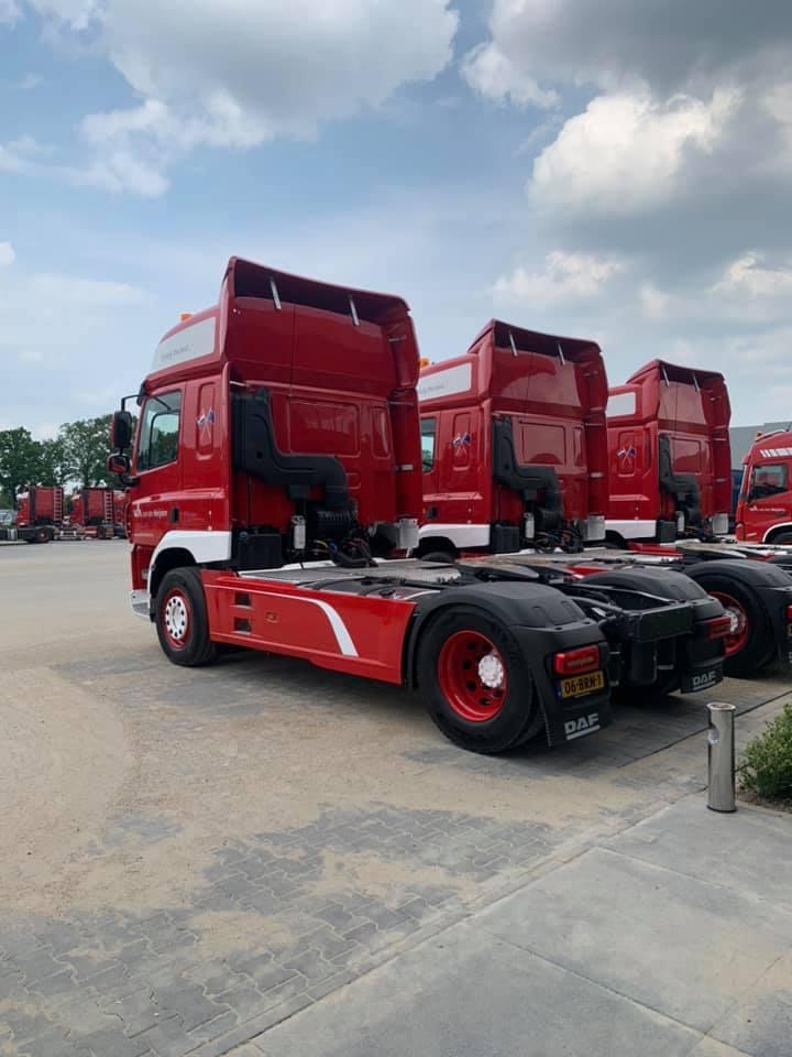 Jos-Roijmans--Gerard-Vereijken-en-Bas-Romme-veel-plezier-met-hun-nieuwe-wagens-4-6-2021-(3)