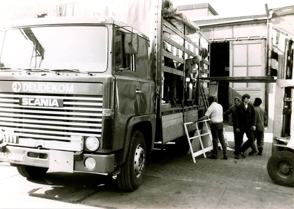 Scania--motorwagen-van-Rob-Spaink-of-Tijmen-Karbet-Michiel-Grasmeijer-foto