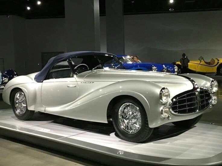 Delahaye-235--Cabriolet-Saoutchik-1951
