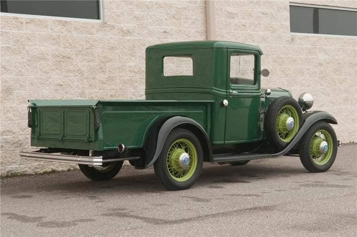 Ford--type-18-pick-up-V-8-1932-(2)
