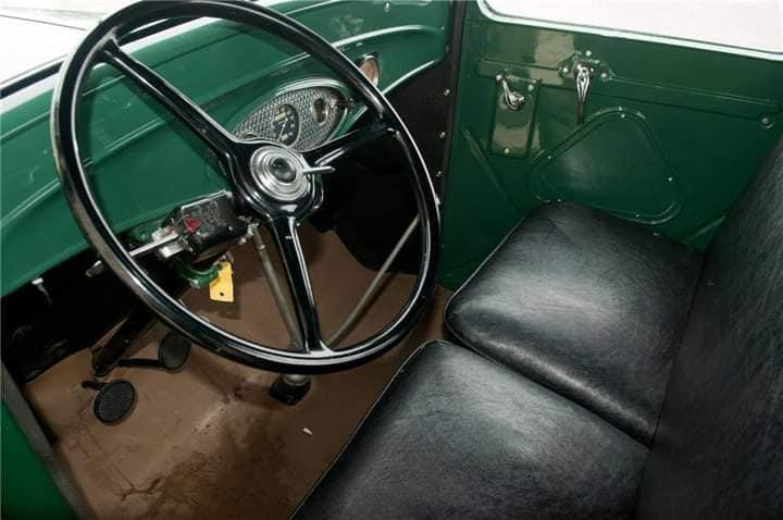 Ford--type-18-pick-up-V-8-1932-(3)