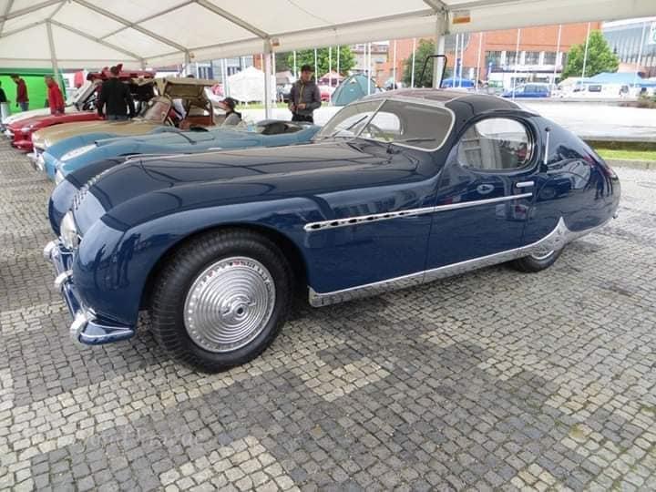 Talbot-Lago-door-Figoni-et-Falaschi-voor-Monsieur-Fayolle--de-ritskoning---Let-op-de-ritsachtige-bies-op-de-motorkap-1948-(1)