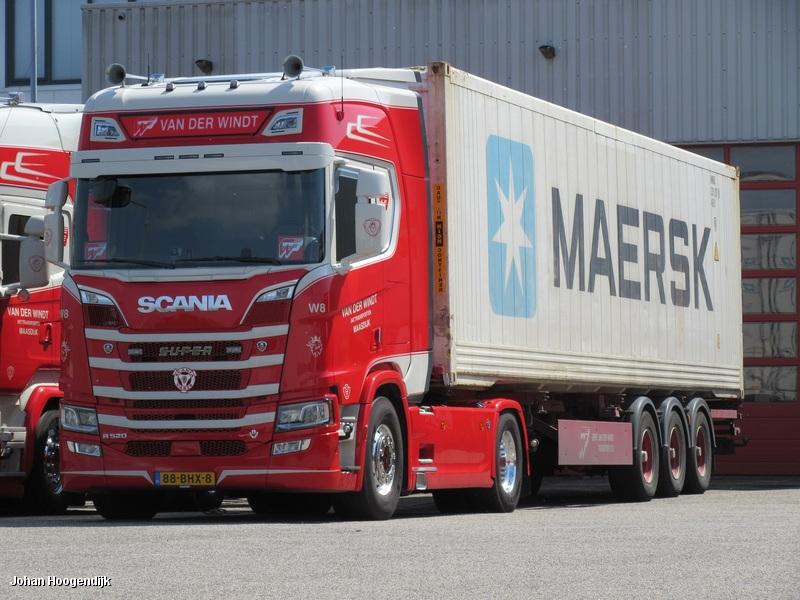 Scania-W8