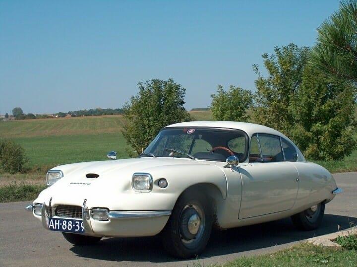 Panhard-24