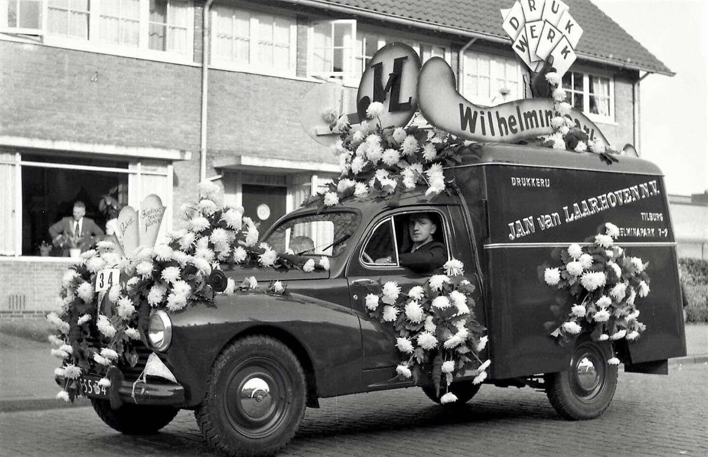 Peugeot-bloemen-wagen