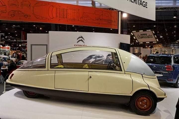 -Citroen-C10-Cocchinelle-1956-proto-om-het-verschil-tussen-de-2CV-en-DS-op-te-vullen-(1)