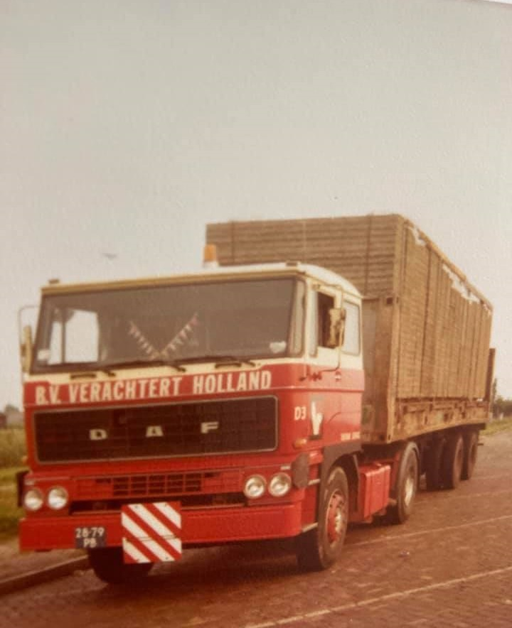Gradus-Kars--Geladen-in-Oostrozebeke-Belgie-met-Bestemming-Sea--land-Rotterdam-Pernis--Voor-Verscheping-naar-Saudie-Arabie--1977