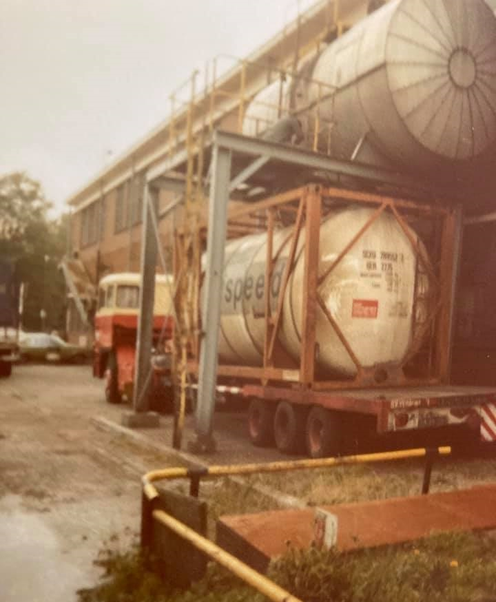Gradus-Kars--Tank-Container-laden