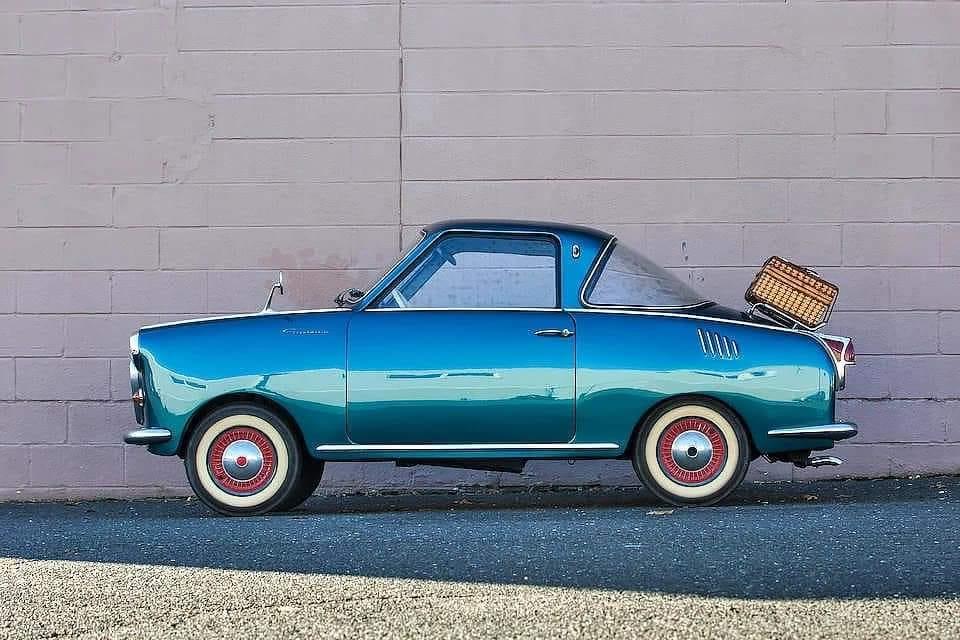 Gogo-coupe-kocht-ik-destijds-voor-mijn-vrouw-ipv-een-brommertje-voor-500-gulden-rood-met-wit-kapje