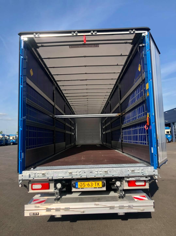 15-6-2021-Schmitz-Cargobull-AG-d-eerste-van-4