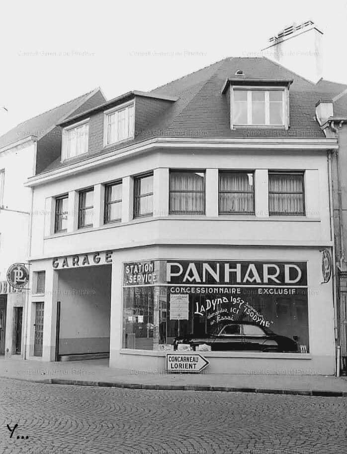 Panhard--Hoek-van-de-straat-Aristide-Briand--rue-le-Dean---Quimper