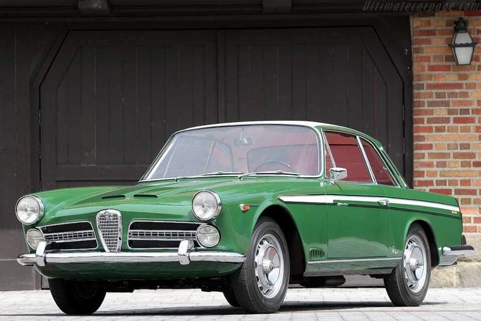 Alfa-Romeo-2000-Coupe-Vignale-1958--(2)