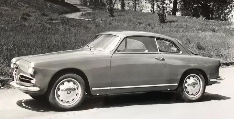 Alfa-Romeo-Coupe-(1)