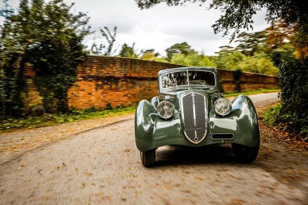 Lancia-Astura-Coupé-van-1933-plaatwerker-Castagna-(2)