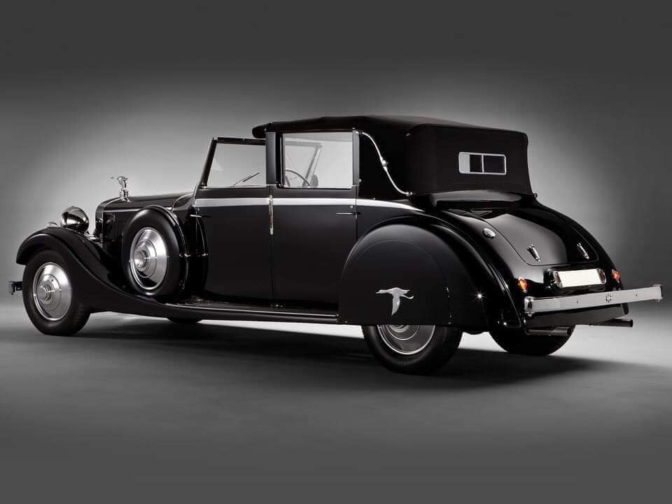 Hispano-Suiza-J12-Cabriolet-deVille-door-Rippon-Brothers-1935--(2)