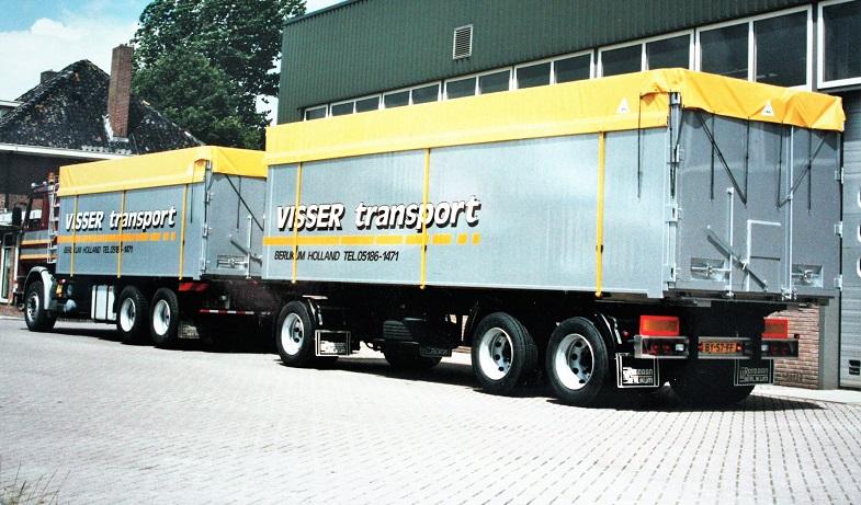 Deze-Scania-combinatie-is-ook-voor-J-Visser-in-Berlikum-gebouwd