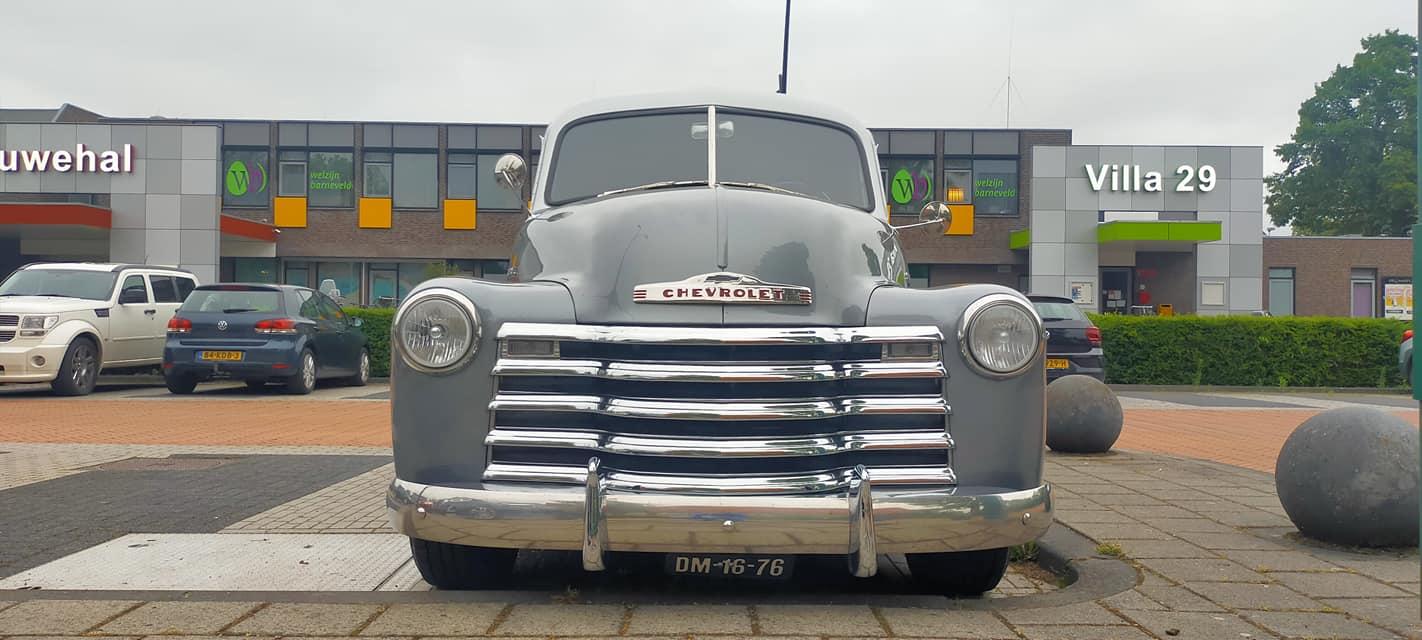 Chevrolet-Suburban-3100-1951-foto-26-6-2021-Janco-Schout-(1)