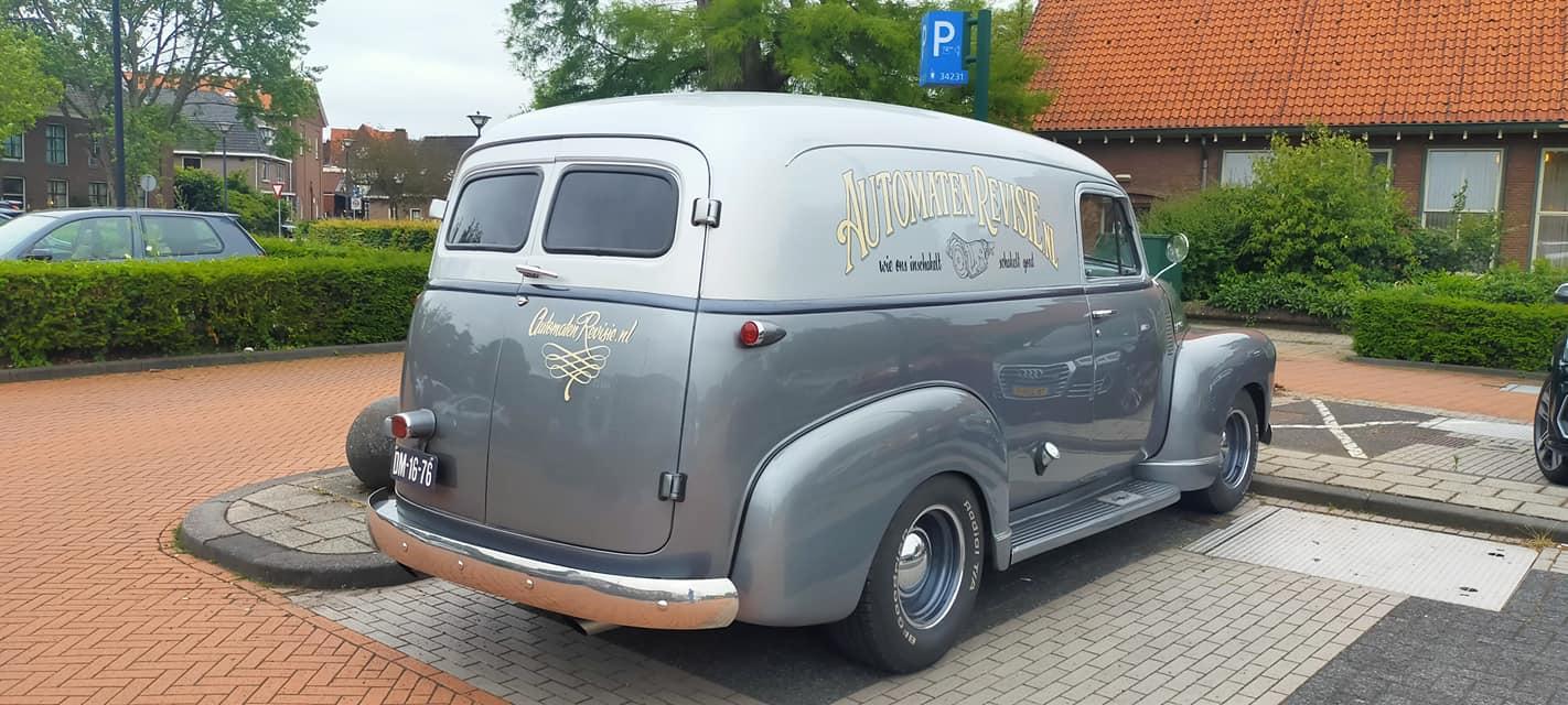 Chevrolet-Suburban-3100-1951-foto-26-6-2021-Janco-Schout-(2)