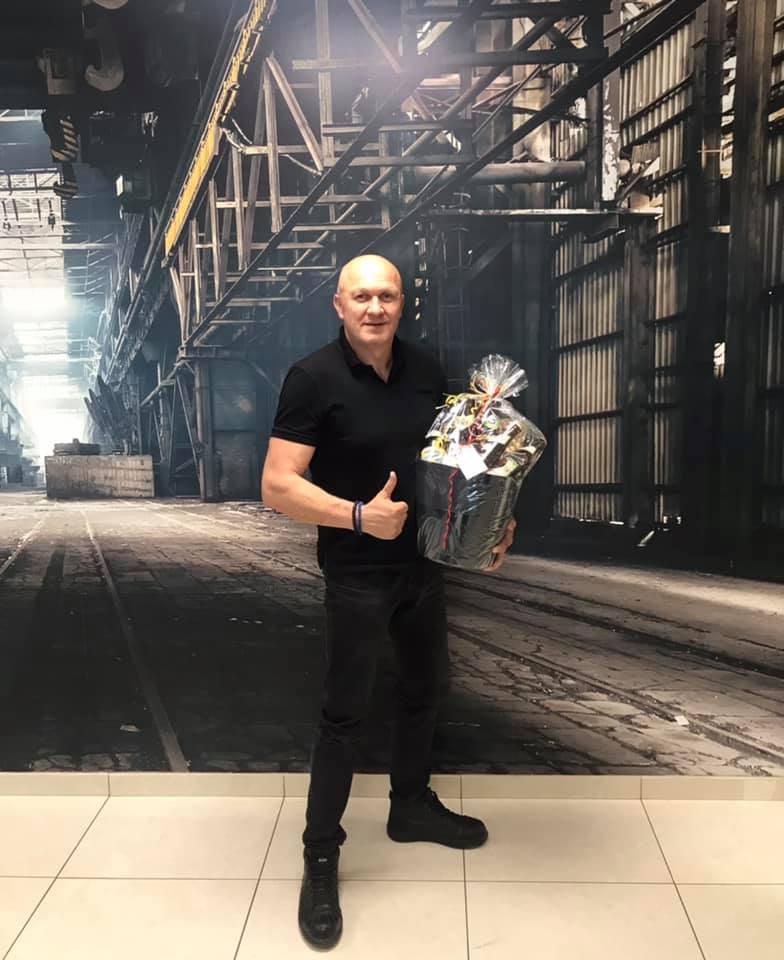 Dragan-Savic-12-5-jaar-in-dienst-bij-ons-bedrijf--1-7-2021-(1)