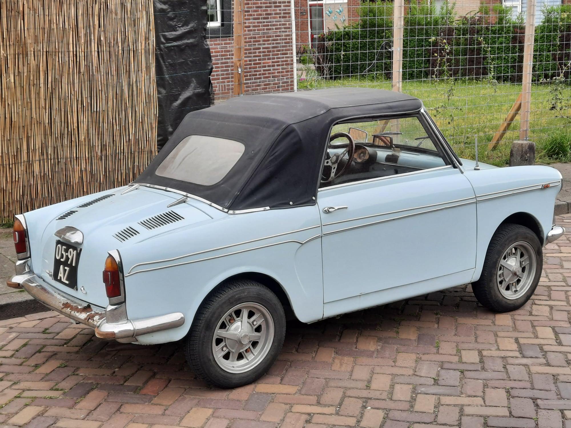Auto-Bianchi-uit-1965-foto-gemaakt-9-5-2021--door-Wim-Schipper--(2)