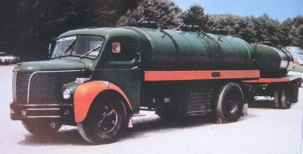 BERLIET-GLR-8-M-pinardier-porteur-remorqueur-de-1960