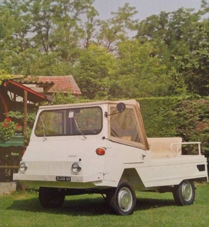 Farmobil-700-CC-boxer-BMW-(1)