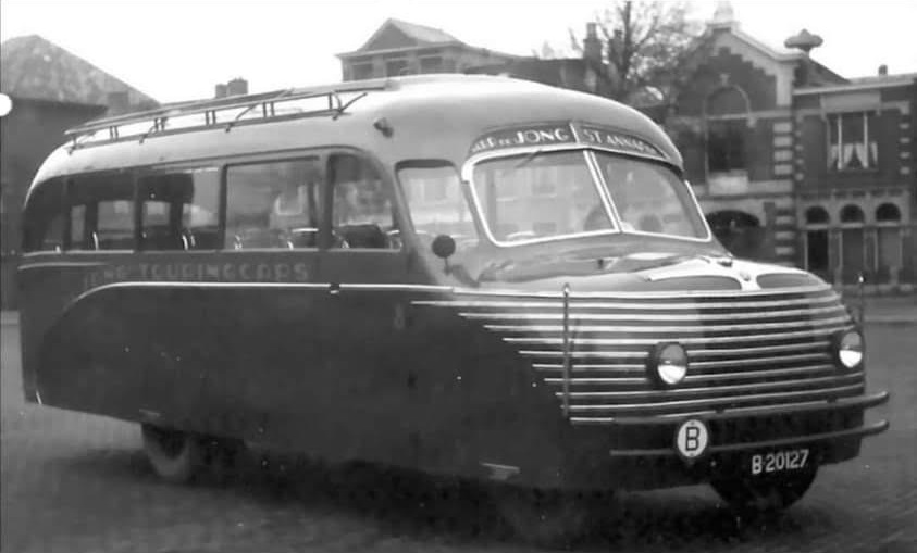 Bedford-1934-met-een-speciale-opbouw
