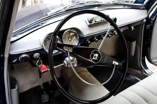 Lancia-Appia-1959-1089-CC-4-Cillinder-V-132-km-mph--(2)