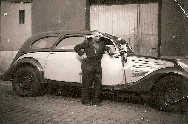 Peugeot-402-Taxi-taxi-chassis-super-long-Monsieur-Cohn