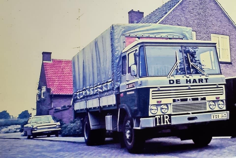 DAF-2600-nieuw-nu-met-opbouw-de-Hart