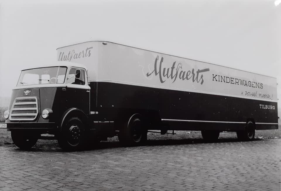 DAF-met-kastenopbouw-trailer