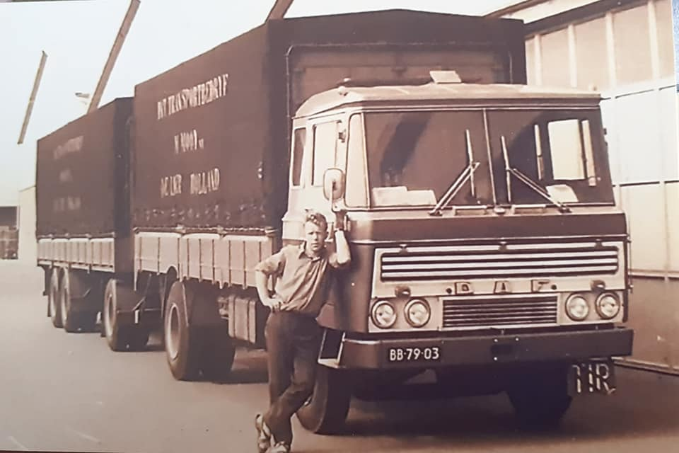 Daf-2600-Toon-Bekers-chauffeur-Mooy-de-Lier