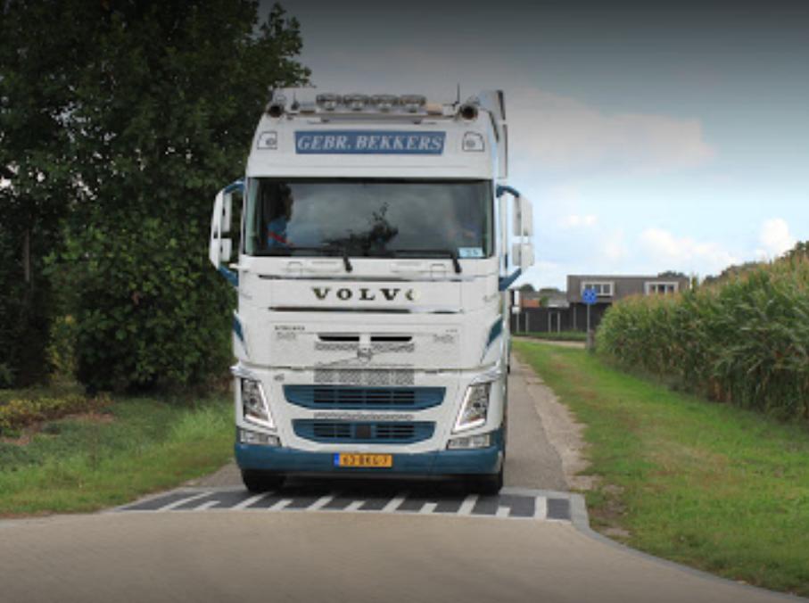 Volvo-63-BKG-3