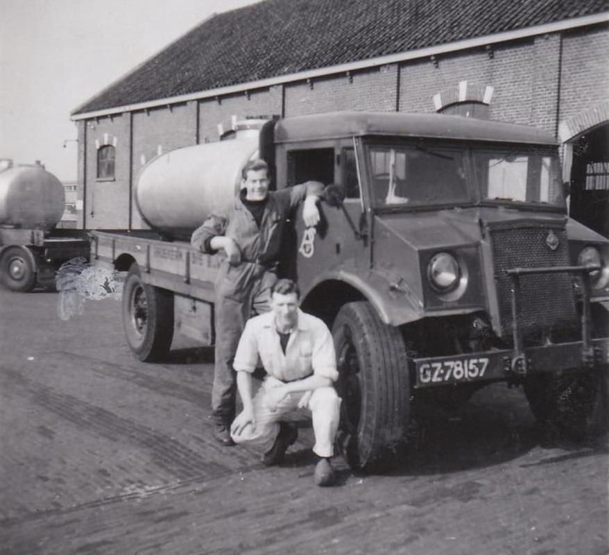 Albert-Beets-Melkrijder--hier-bij-Hollandia-Purmerend