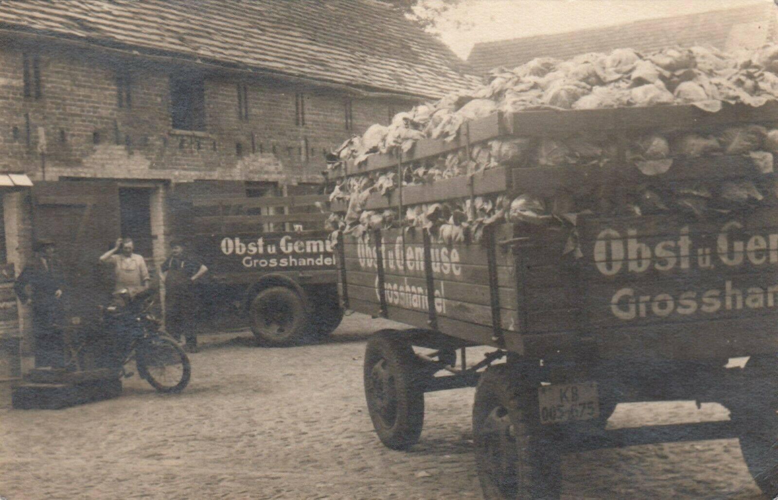 Opel-Blitz-van-groentenhandelaar-in-Berlijn--(2)