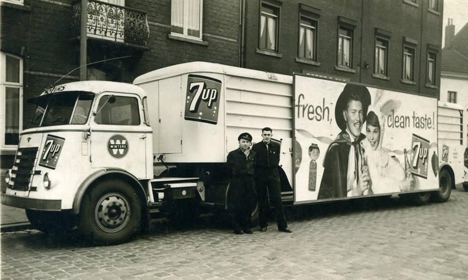 1956--Maarheeze---Fa--Winters---archief-Ad-van-Geel-