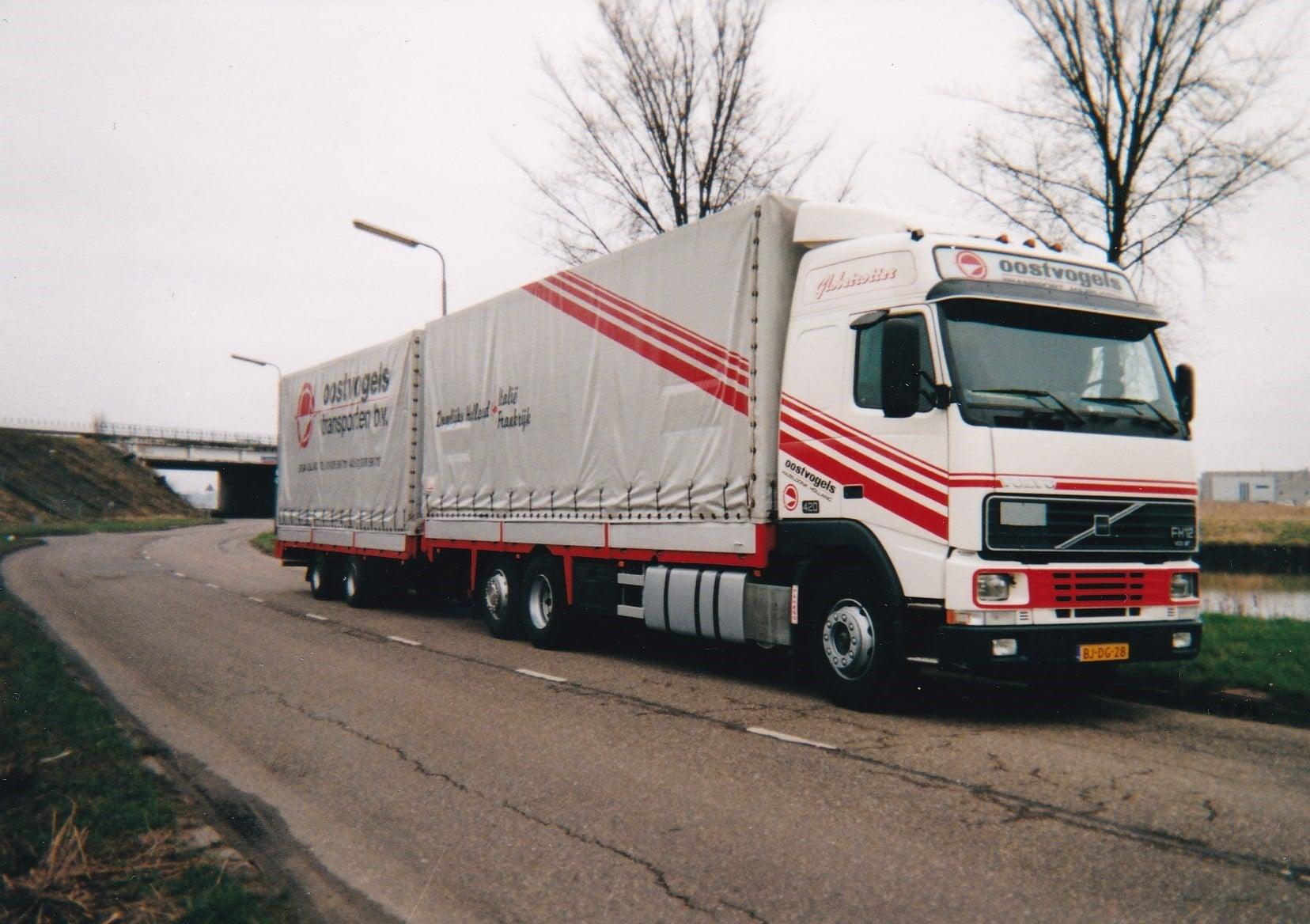 Volvo-FH-12--Ad-van-der-Mierden-foto