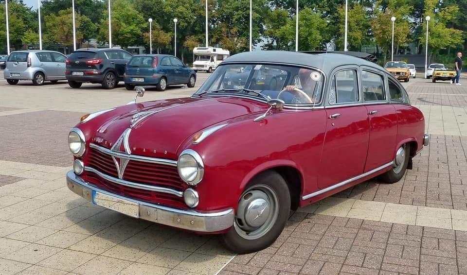 Borgward-Hansa-2400-1952-1955-(1)