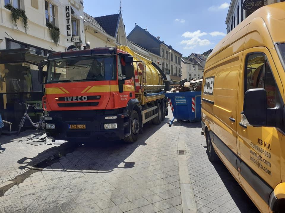 Gronwater-na-de-overstromings-ramp-aan-uit-pompen-18-7-2021--Marcel-Koenen-foto