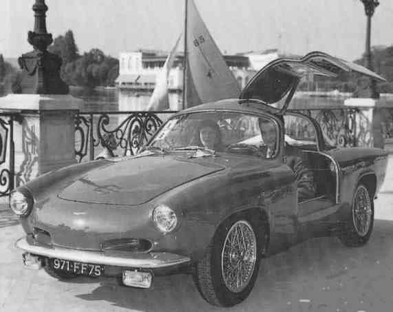 Renault-4CV-Carr-Pichon-Parat-1954--met-Izoard-deuren-(2)