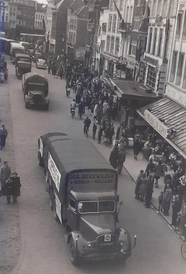 1945-wagens-uit-het-marchal-hulp-plan-werden-omgebouwd--(1)