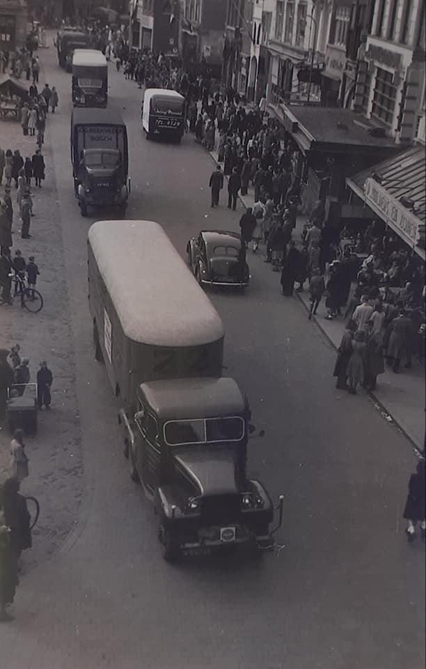 1945-wagens-uit-het-marchal-hulp-plan-werden-omgebouwd--(3)