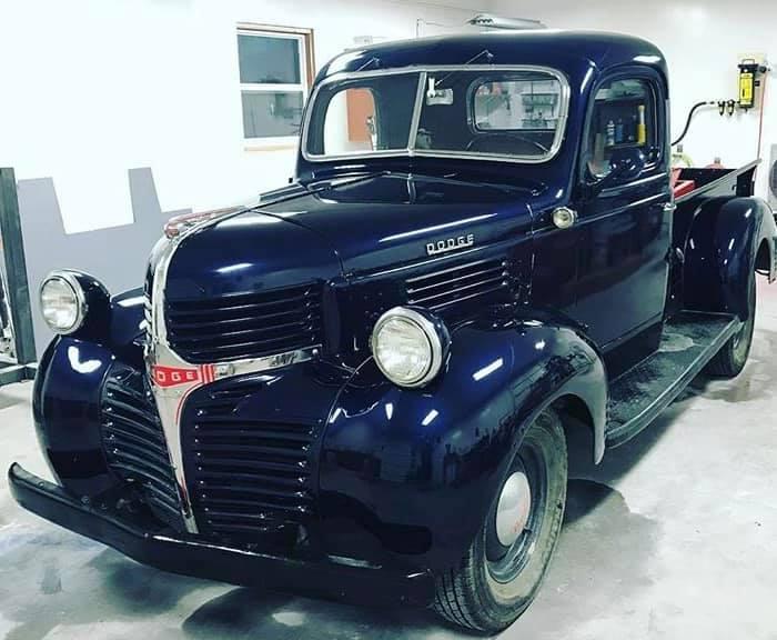 Dodge-1-2-ton-1947-(2)