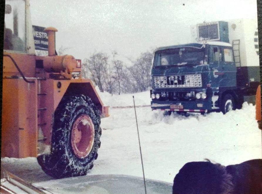 Daf-2800--met--Shovel-van-Westra-uit-Franeker
